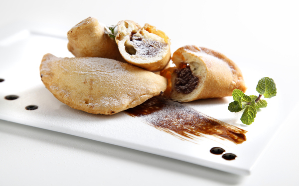 "Christmas panzerotti from Basilicata with reduction of Olitalia ""5 Grappoli"" I.G.P. balsamic vinegar of Modena 1"