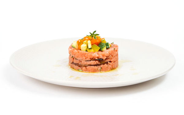 Mille-feuille with beef tartare and Nocellara Oil, fresh thyme and summer vegetables 1