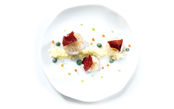 "Adriatic smoked shrimp tartare with aromatic herbs of Učka, beet chips, emulsion of seaweed and Olitalia ""I Dedicati"" Special Extra Virgin Olive Oil for Fish, powdered oil and orange caviar 1"